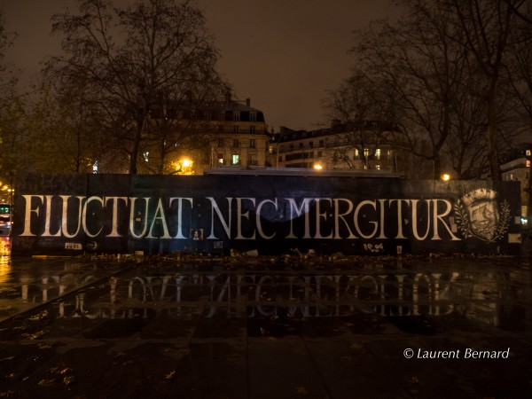 Fluctuat Nec Mergitur - place de la République
